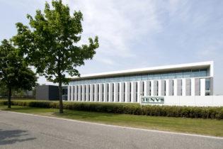DENYS nv : Atelier met bijhorende kantoren, conciërgewoning & dakparking